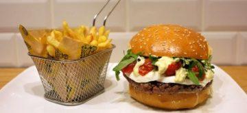 112580-mamie-burger-livre-a-domicile-pour-la-coupe-du-monde-2014