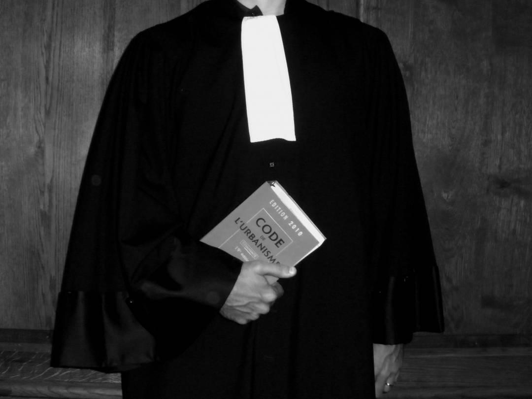 Emploi-zoom-sur-le-metier-d-avocat