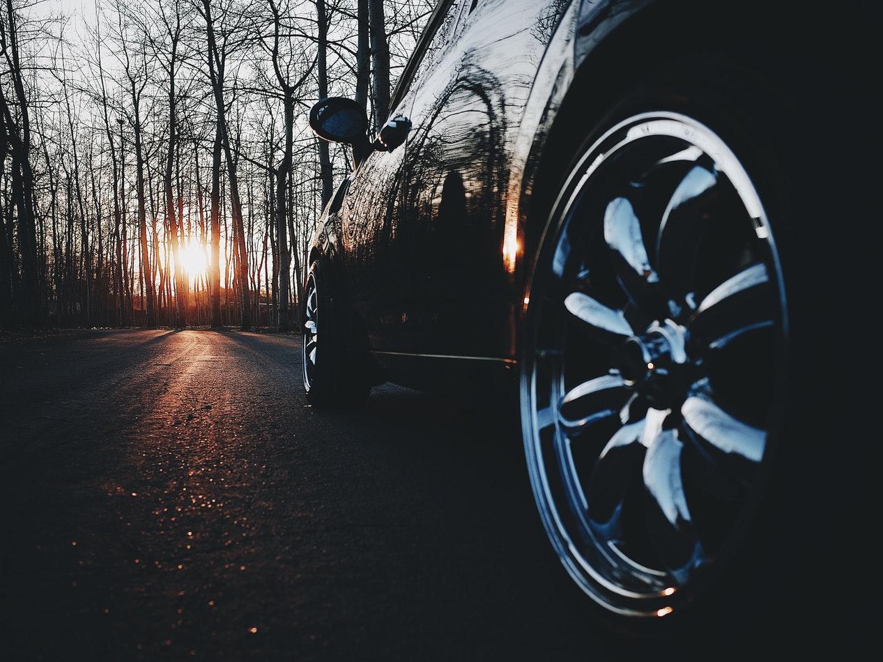 3 conseils pour bien choisir ses pneus