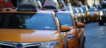 taxi-1999009_960_720