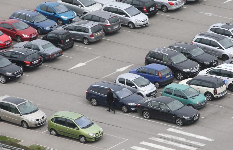 Le-parking-au-service-de-votre-voiture